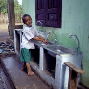 Takayar Hand Washing Student top